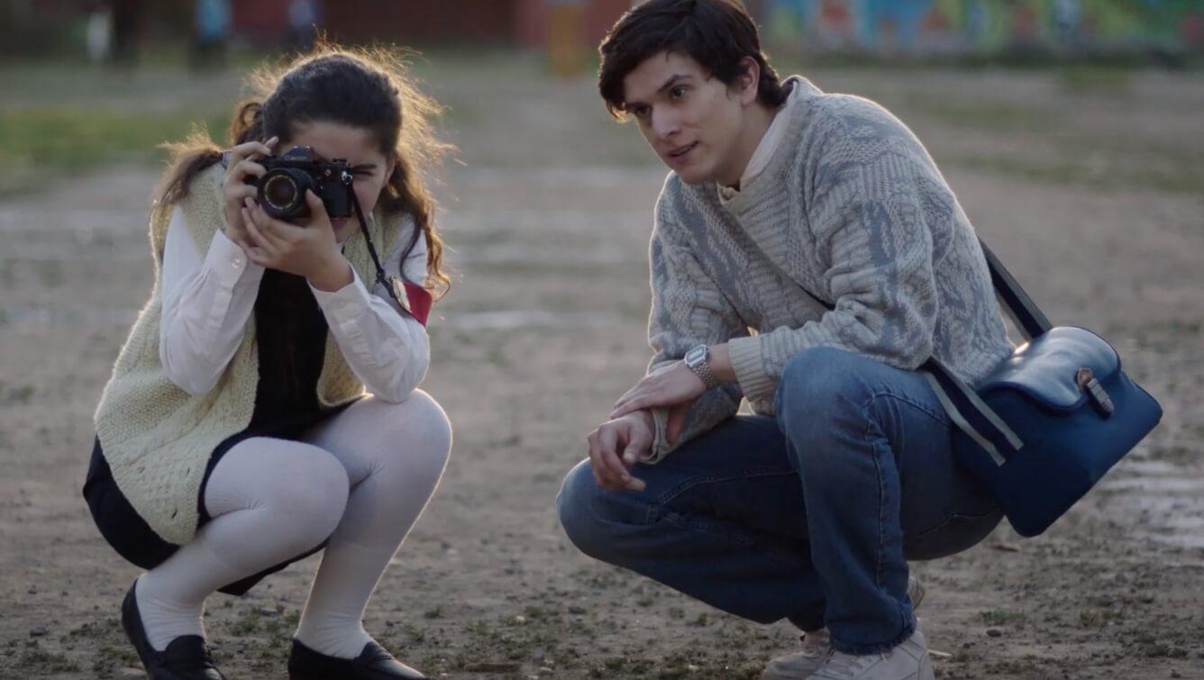 """""""La Mirada Incendiada"""": La película inspirada por el Caso Quemados de la dictadura de Pinochet llega al streaming"""