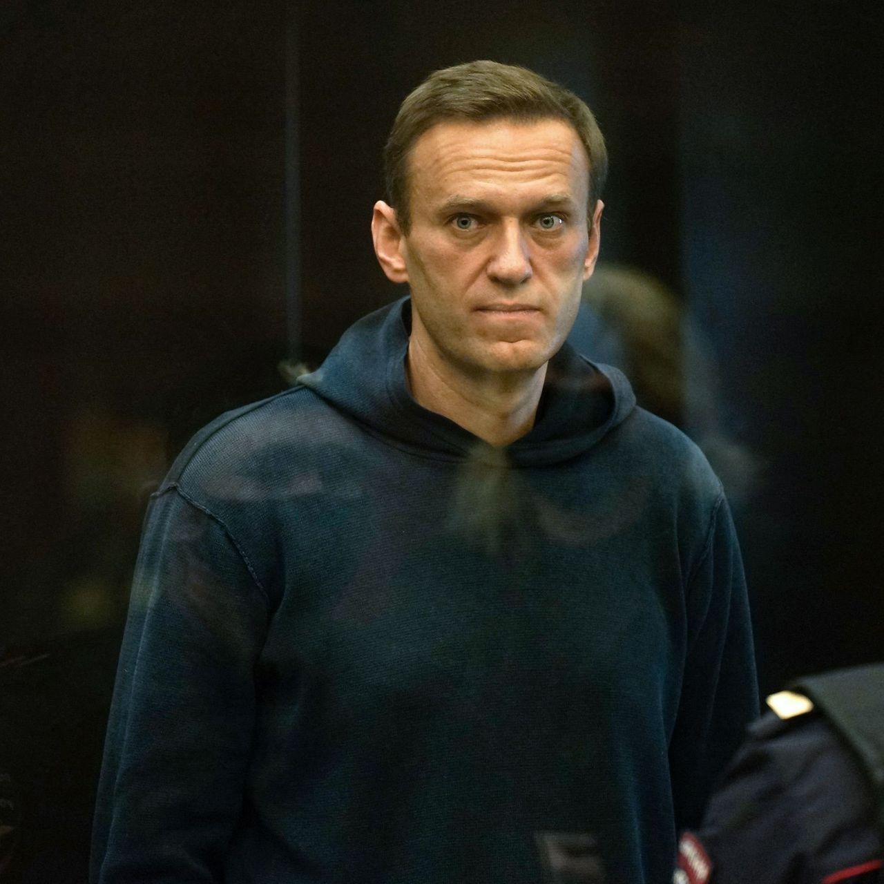 Rusia traslada al líder opositor Alexei Navalny al hospital tras huelga de hambre
