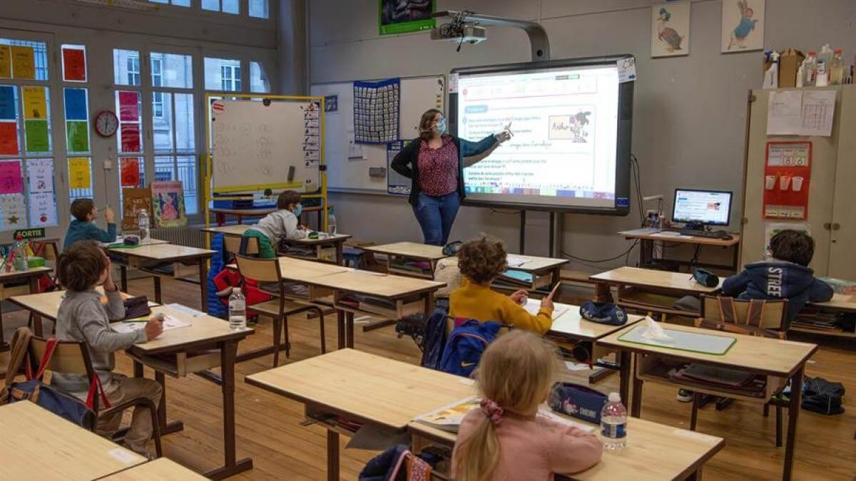 Francia: Ministerio de Educación prohíbe el lenguaje inclusivo en las escuelas del país