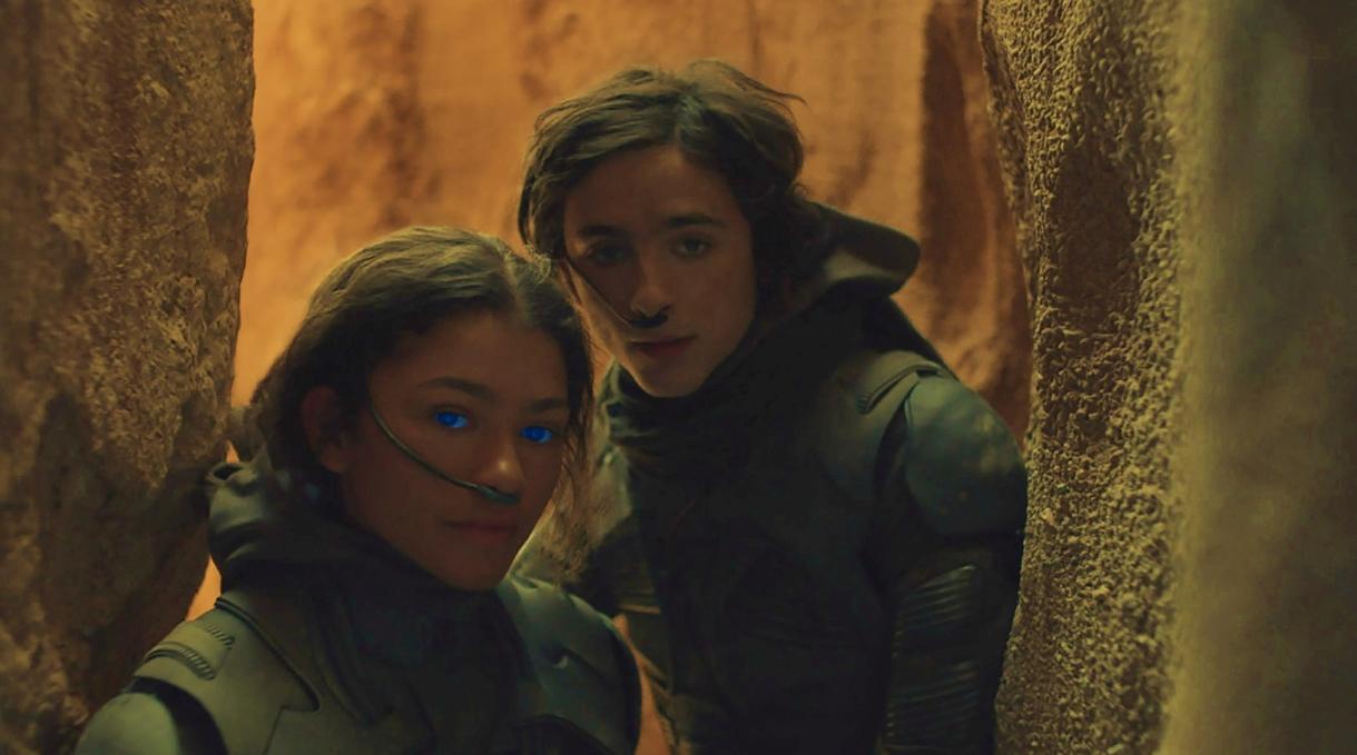 """Timothée Chalamet y Zendaya luchan por sus vidas en el impresionante trailer final de """"Dune"""""""