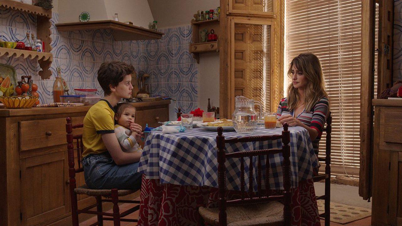 """Pedro Almodóvar abrirá Venecia con """"Madres Paralelas"""", su nuevo filme cuyo trailer acaba de estrenarse"""