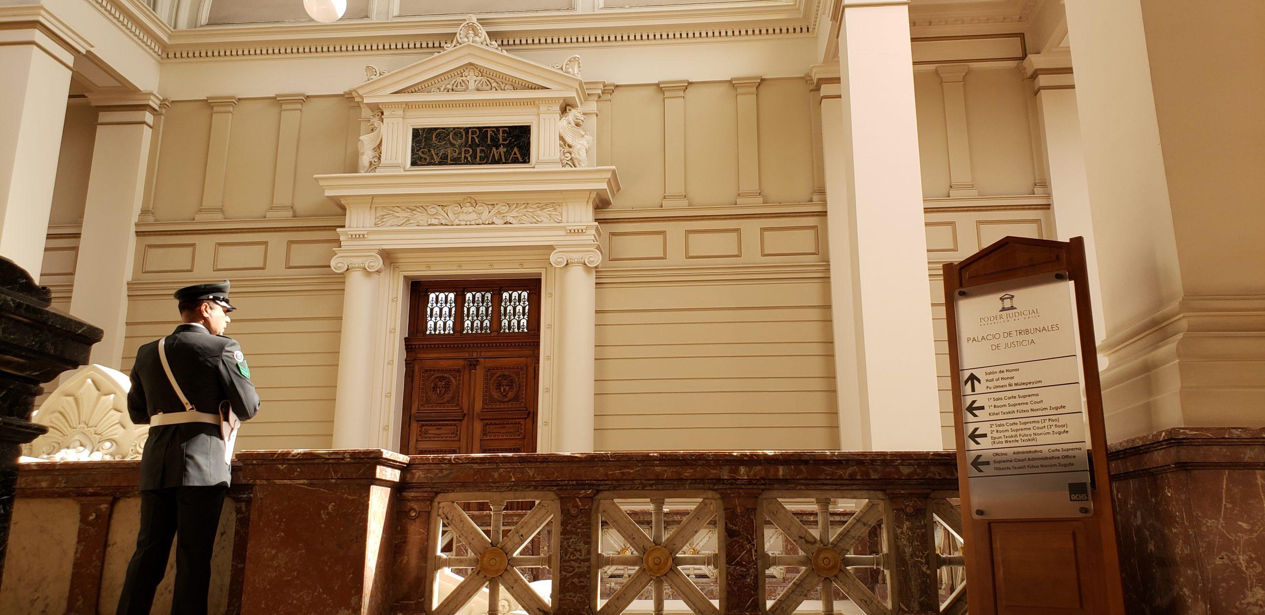 La Corte Suprema de Chile ordena a un banco y una aseguradora a facilitar crédito hipotecario a cliente con VIH