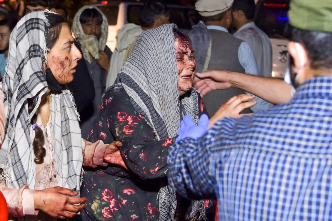 Afganistán: Todo lo que sabemos del atentado que sacudió el aeropuerto de Kabul