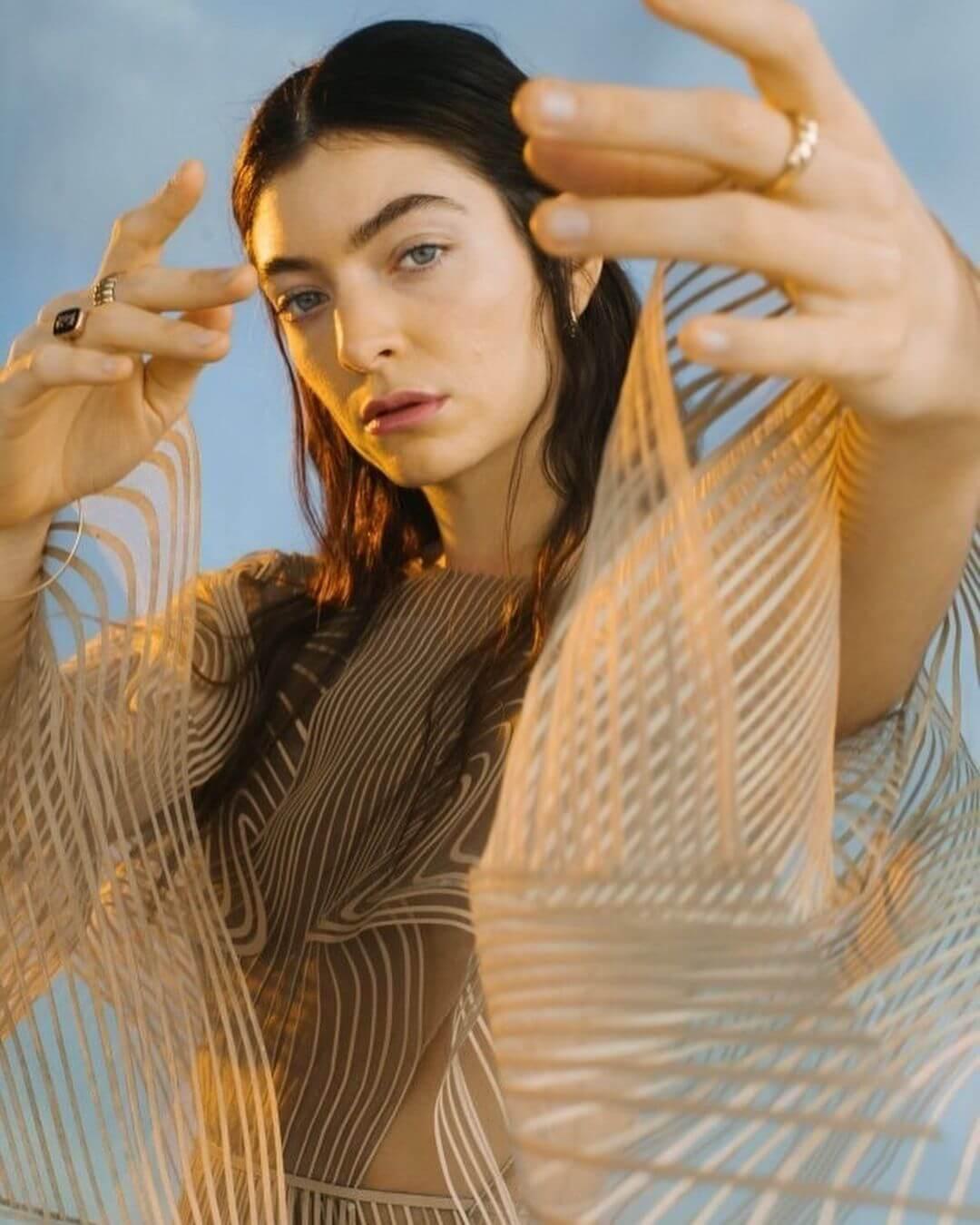 6 lanzamientos recientes que debes escuchar: Lorde + Parquet Courts + Royal Blood y más