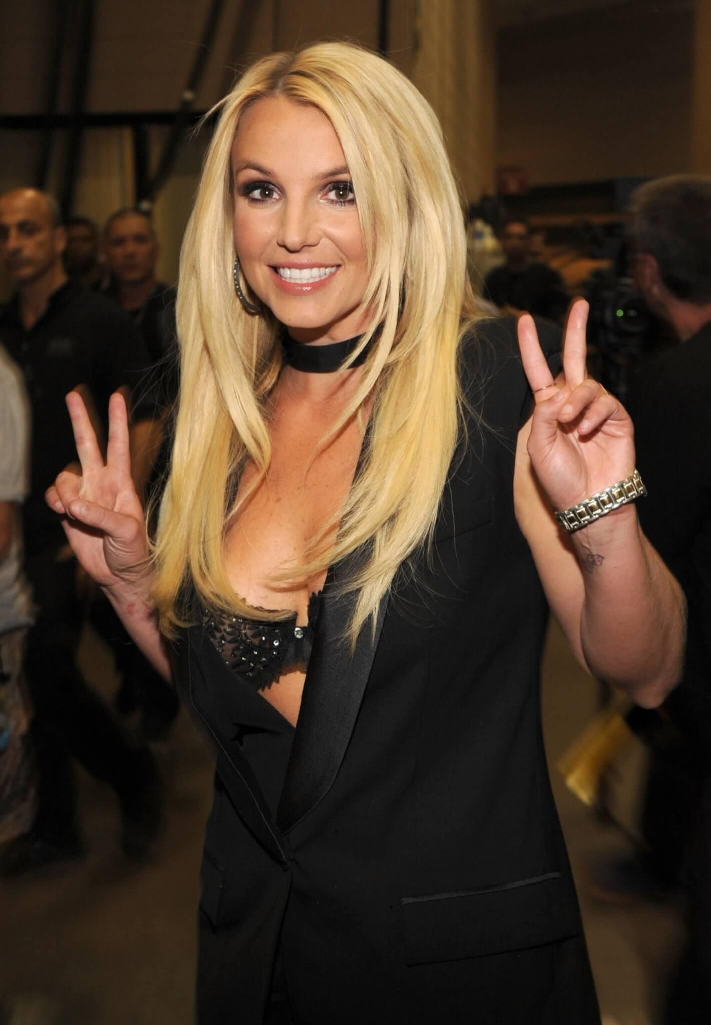 ¡Britney Spears es libre! Su padre renuncia a la tutela tras 13 años de duro control sobre la cantante