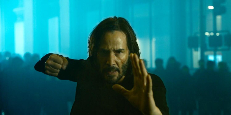 """¿Tomarás la píldora roja o la azul? Llega el primer vistazo a """"The Matrix Resurrections"""""""