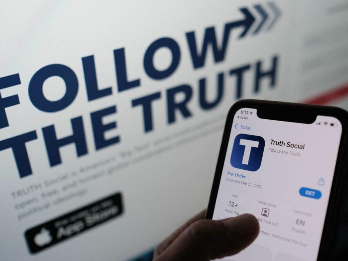 TRUTH Social: Todo lo que sabemos de la nueva red social de Trump, la misma que prohíbe a sus usuarios burlarse de ella